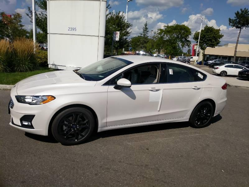 New 2020 Ford Fusion SE C201113